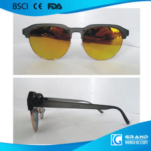 Cheap Wholesale China Popular Light Plastic Sunglasses pictures & photos