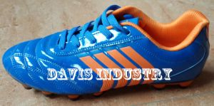 Hot Selling New Style Soccer Shoes Men pictures & photos