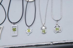Lucky Shamrock Four Leaf Clover Necklace/Pendants
