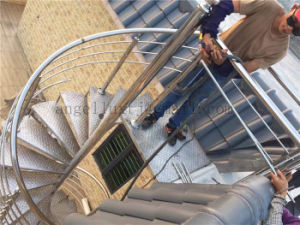Factory Customized Outdoor Used Stainless Steel Spiral Revolving Handrail Stairs for Roof pictures & photos