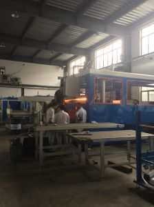 Xg-2000*2500mm Automatic Thick Sheet Vacuum Forming Machine pictures & photos
