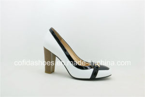 European Style Chunky Heel Lady Leather Fashion Shoes pictures & photos