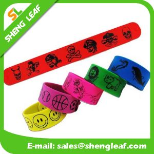 Hot Sell Fashion High Quality Custom Long Silicone Rubber Slap Bracelets pictures & photos