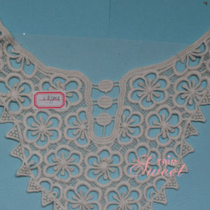 100% Cotton Water Soluble Embroidery Collar Lace pictures & photos