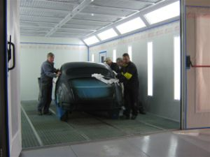 Best Quality Auto Painting Booth Car Painting Chamber pictures & photos