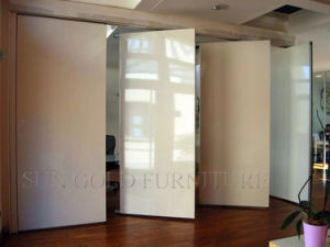 Folding Movable High Quality Wood Partition Wall (SZ-WS613) pictures & photos