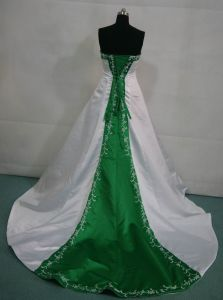 Color Accent Wedding Dresses Green Red Blue Bridal Gown H13153 pictures & photos