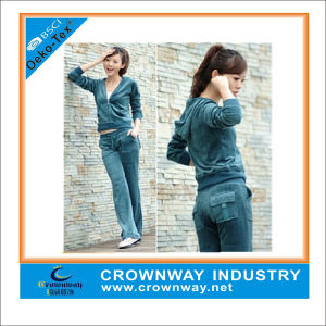 Wholesale Hoody Velvet Track Suit for Women pictures & photos