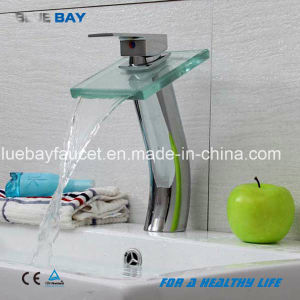 Zhejiang Brass Square Waterfall Basin Tap pictures & photos
