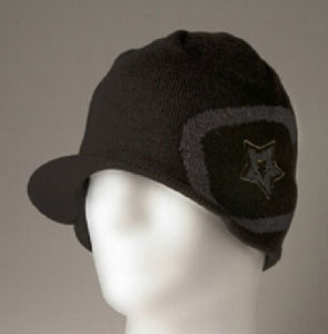 Short Brim Knitting Beanie Hat and Cap with OEM Customized Logo pictures & photos