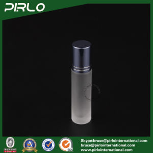 10ml Frosted Glass Roll on Bottle with Metal Roller and Blue Cap pictures & photos