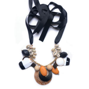 Fashion Resin Shell Stone Artificial Statement Choker Necklace Jewelry pictures & photos