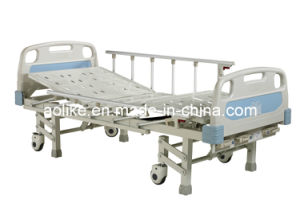 Ce, FDA, ISO13485 High Quality Three Function Patient Bed pictures & photos