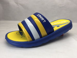 Childern PVC Comfortable Slippers with Stripe Pattern (21IY17026) pictures & photos