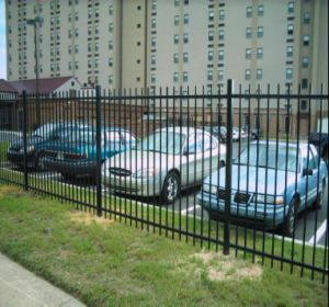 Wholesale High Quality Outdoor Wrought Iron Fence Panels (China Manufacturer&ISO9001) pictures & photos