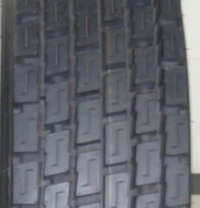 Bis Approved Tyre 10.00r20, 10r20 Boto Radial Truck Bus Tyre pictures & photos