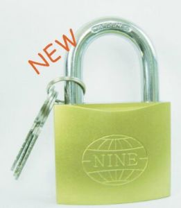 25mm New Imitate Brass Padlock Bt462 pictures & photos
