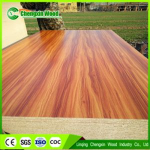 China Best Price Melamine Chipboard Particle Board pictures & photos