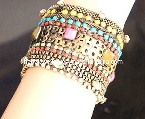 Huge Glory Fashion with Diamond Bangle (XBL13006) pictures & photos