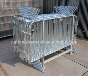 Low Price Factory Crowd Control Barrier Fence pictures & photos