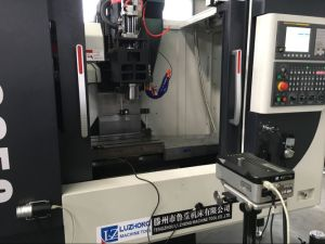 Precision 5 Axis Metal CNC Milling Machine (Machining Center VMC650) pictures & photos