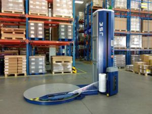 Ce Certificated Pallet Wrapping Machine with Siemens Control System pictures & photos
