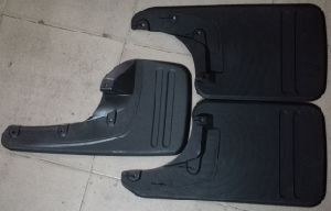 Automotive Rubber Mud Flaps for Toyota Hilux Vigo 2013 - 2015 South Africa and Thailand Model pictures & photos