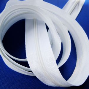 White Tape Nylon Ziipper Long Chain Factory Sell pictures & photos