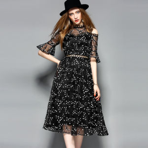 A-Line Embroidered Lace Trim Ladies Dress with Zipper pictures & photos