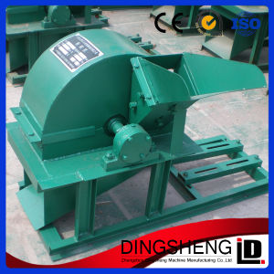 Mobile Wood Sawdust Crusher Wood Crushing Machine for Sale pictures & photos