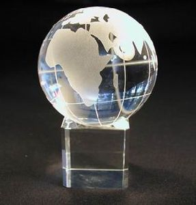 Crystal Ball with Base for Christmas Gifts & Crafts (JD-SJQ-033) pictures & photos