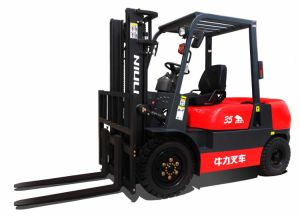 Brand New 3.5ton Diesel Forklift with Isuzu C240 Engine/Solid Tires pictures & photos