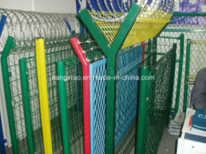 Hot Sale High Quality Welded Galvanized Fence / Mesh Fence / Security Fencing with CE Certificate Factory Price pictures & photos