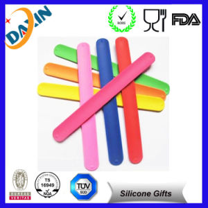 Cheap Silicone Ruler Slap Bracelet, Silicone Slap Wristband pictures & photos