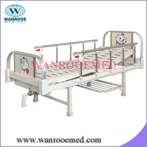 Single Crank Hospital Medical Bed pictures & photos