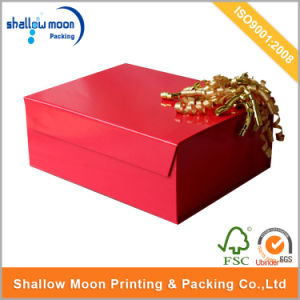 Classical Red Hollowed-out Gift Paper Gift Box (AZ122526) pictures & photos