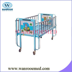 Single Crank Pediatric Bed pictures & photos