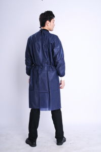 Standard Dark Blue Medical Polyethylene-Coated Isolation Gown pictures & photos