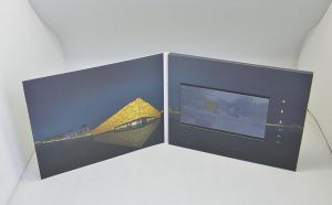 Customized 7inch HD LCD Screen Promotional Video Greeting Cards (VC-070) pictures & photos