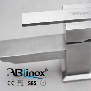 Square Single Handle Basin Faucet Ab008 pictures & photos