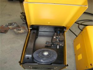 Welding Machine (FLUX-MIG-100) No Gas pictures & photos