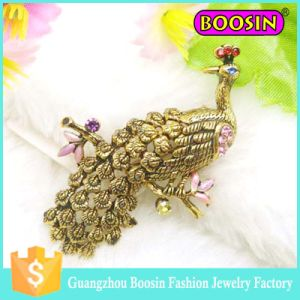 Wedding Invitation Rhinestone Antique Gold Peacock Brooch with Safety Pin pictures & photos