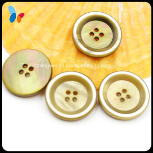 18mm Four Holes Nature Round Mop Shell Button for Suit pictures & photos