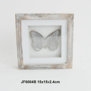 New Competitive Wooden Vintage Heart Decorative Frame pictures & photos