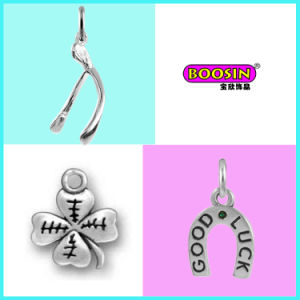 Fashion Jewelry Design Cheap Alloy Gold Necklace Broken Heart Pendant pictures & photos
