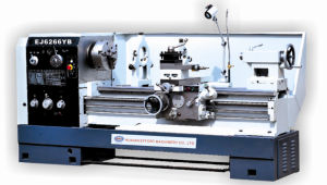 Precision Heavy Duty Lathe pictures & photos