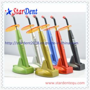 New Rainbow LED Curing Light of Dental Equipment pictures & photos