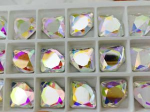 Diamond Flat Back Glass Beads Stones for Jewelry pictures & photos