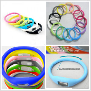 Fashion Smart LED Digital Bracelet Silicone Watch for Promotion pictures & photos