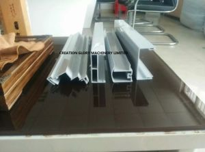 Stable High Efficiency Fridge Freezer Door Frame Extruder Machinery pictures & photos